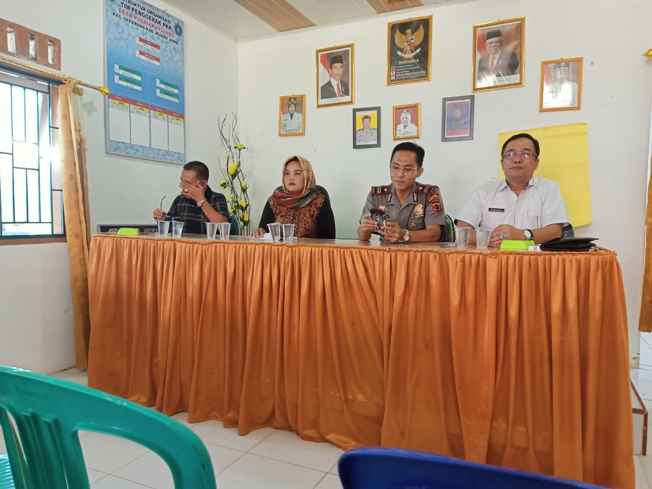 Pertemuan_DLH_Muaro_Jambi_dengan_Masyarakat_Desa_Pulau_Kayu_Aro_Terkait_Penambangan_Pasir.jpg